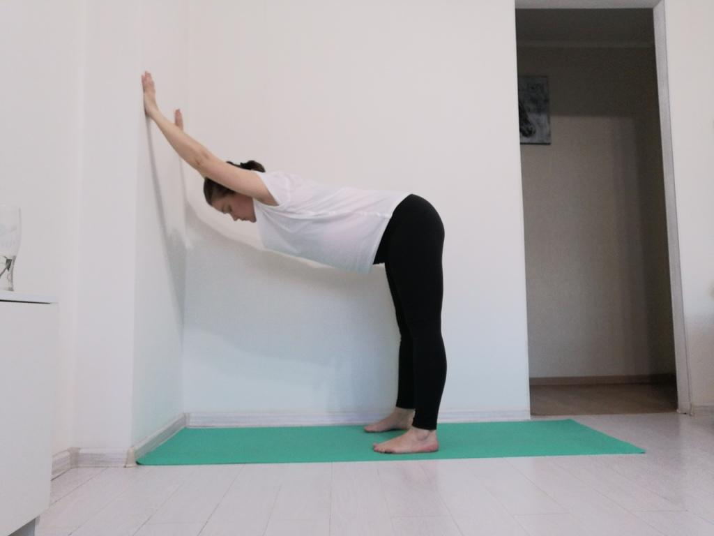 joga-dlja-beremennyh-2-trimestr-v-domashnih-uslovijah